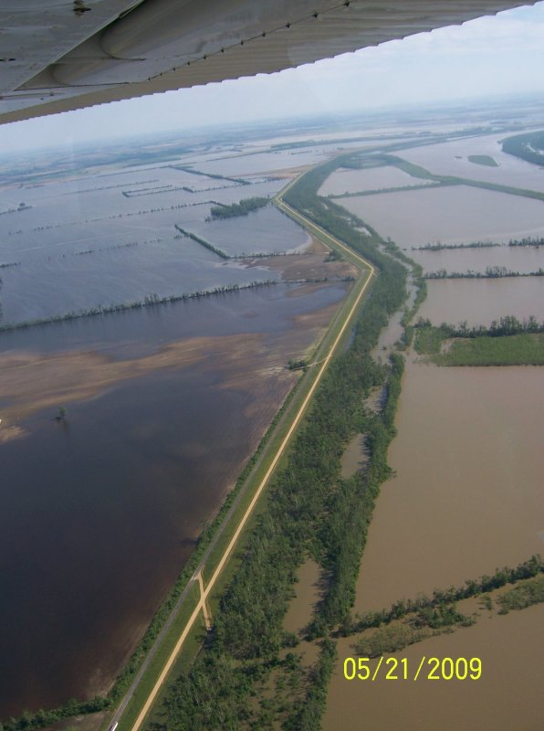 Levee System S of Hickman