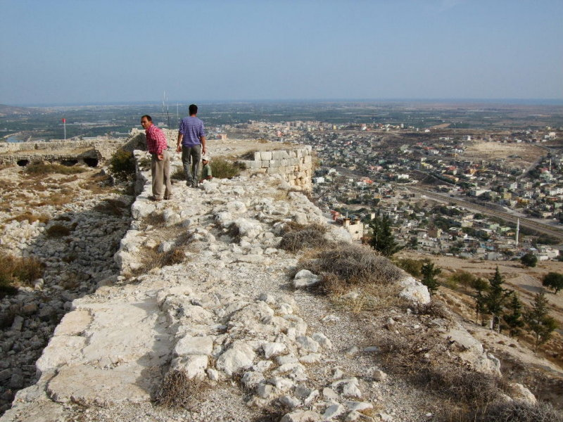 Up on the ramparts--there are no safety fences here.