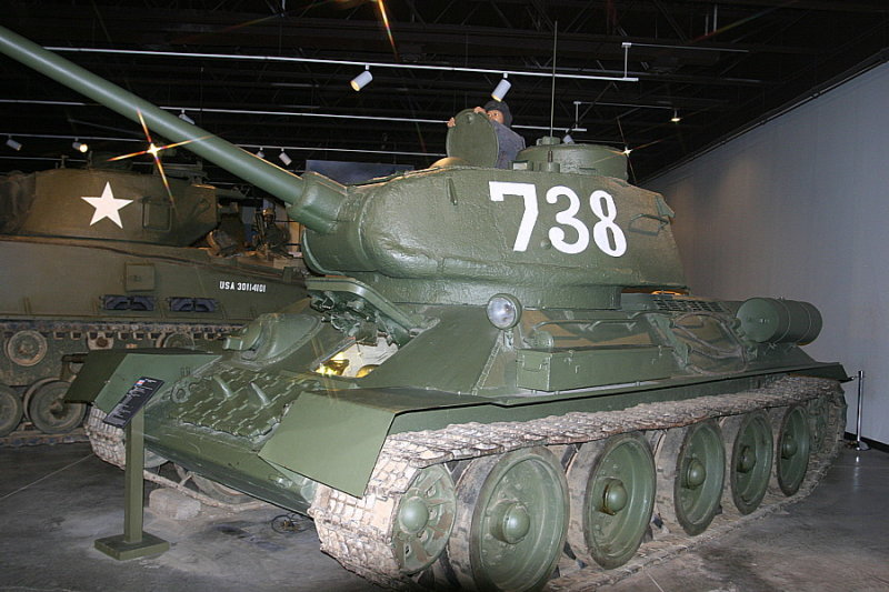 Soviet  T34/85 Medium Tank (1946) North Korean Army