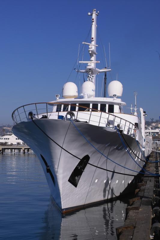 yacht absinthe