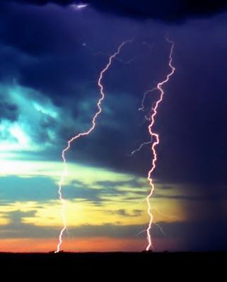 Lightning from Old Brick Church (Crop)
