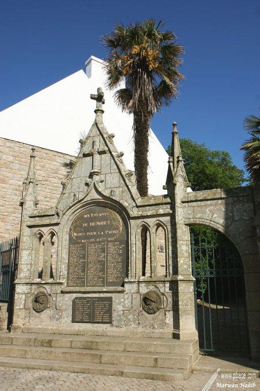 Bénodet - Monument aux morts