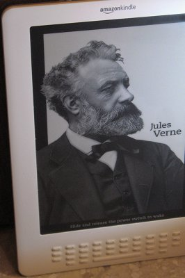 Jules Verne screensaver, with <a href=http://bit.ly/klight target=_blank>Clip-on light</a>