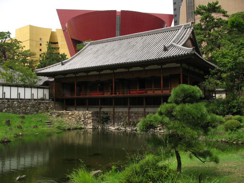 Hall within Kokura-jō-teien