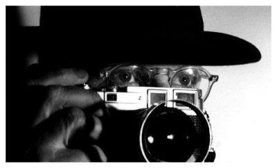 Henri Cartier-Bresson behind the Leica
