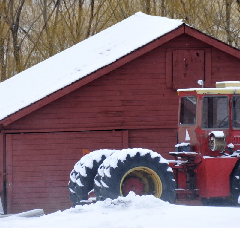 Red Tractor and Red Shed from Pocatello Creek Road _DSC6357.jpg