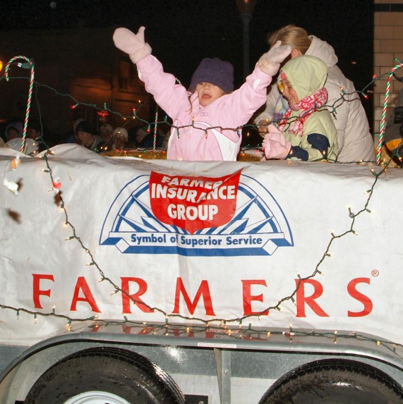 Holiday Parade Nov 25 2005 DSCF0057.jpg