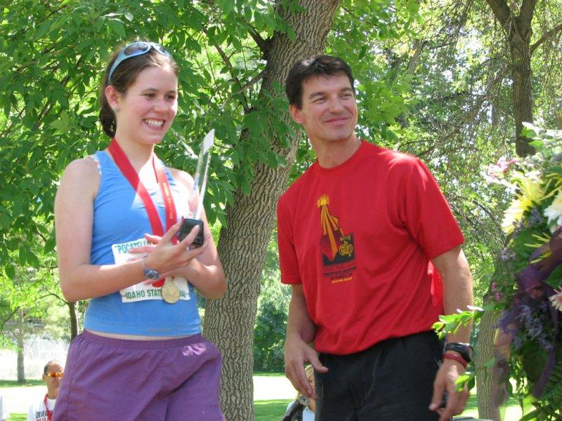 Rachel Dowling accepting Marathon Award smallfile IMG_0368.jpg