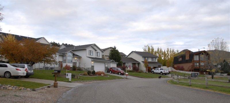 An East Bench Neighborhood _DSC0464.jpg