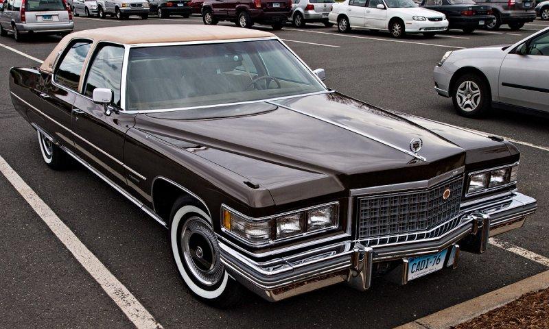 1976 Cadillac Fleetwood  Brougham dElegance