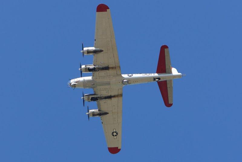 3549     B-17G