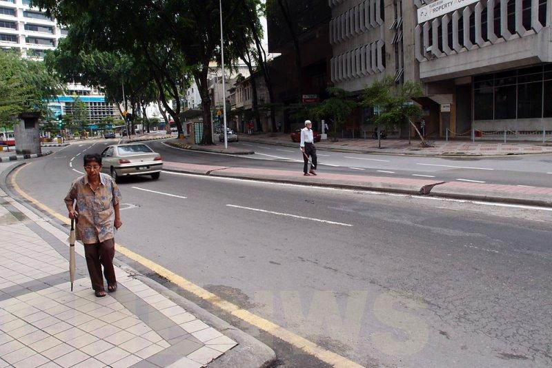 Morning stroll 20110522-083402-047.jpg