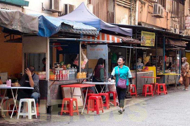 Hawker food stalls 20110522-090007-079.jpg