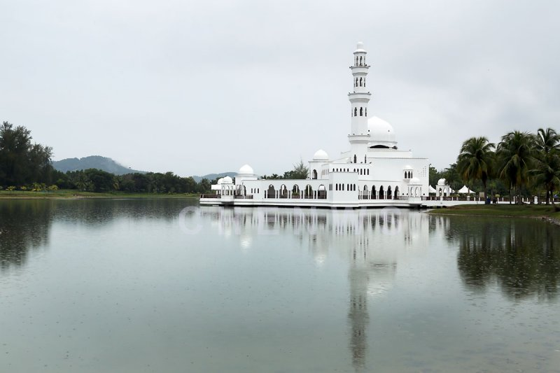 Floating mosque, Rantau Abang