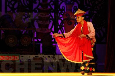 Bidayung dancer