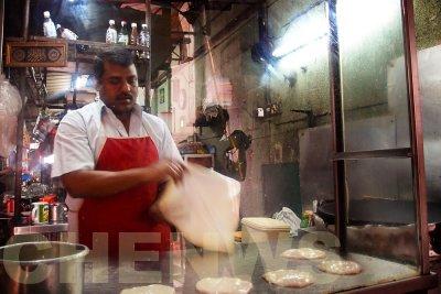 Roti canai 20110522-083851-052.jpg