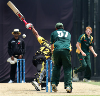 Tom Kimber (wicket keeper) eyes on Ahamd Faiz