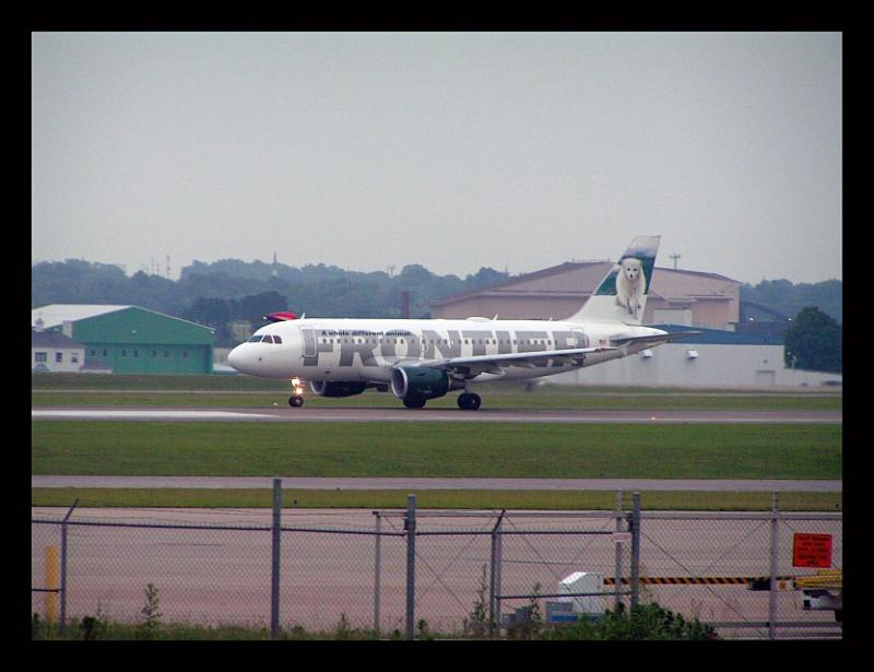 Frontier Airlines Airbus @ takeoff