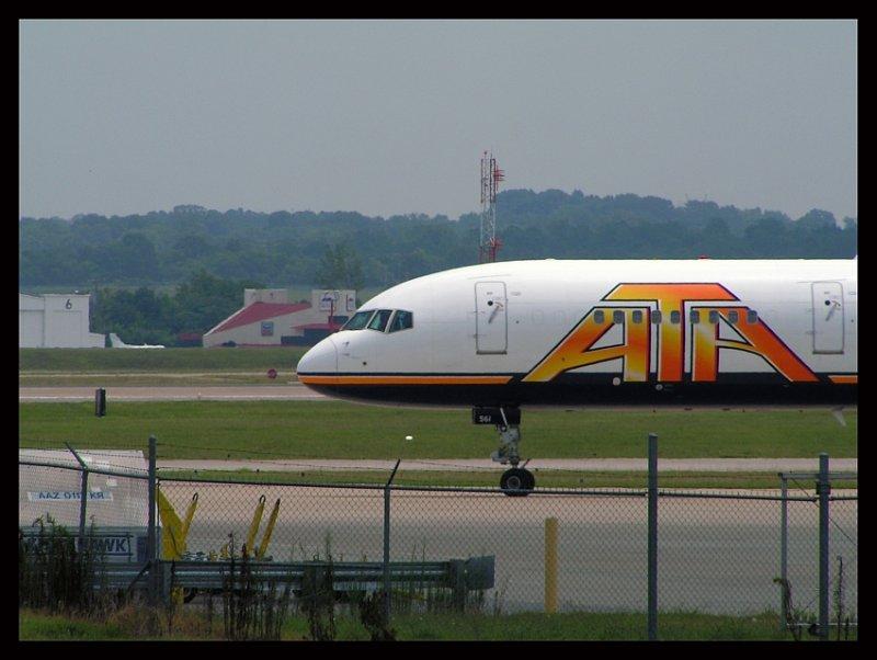 ATA Airlines Boeing 757-33N (N561TZ)