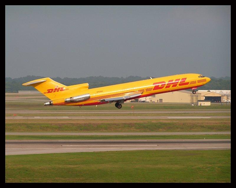DHL Boeing 727-200 @ Takeoff (N751DH)