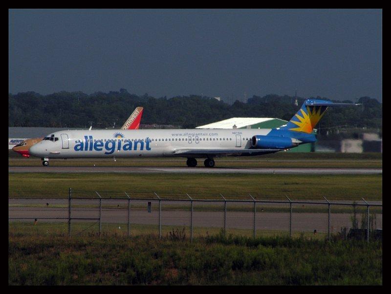Allegiant Air MD-83 (N871GA)