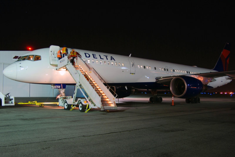 Delta Air Lines Boeing 757-232 (N6708D) **New Livery**