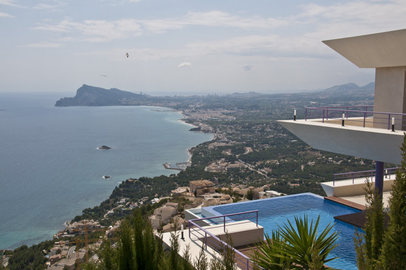 Altea pad with infinity pool