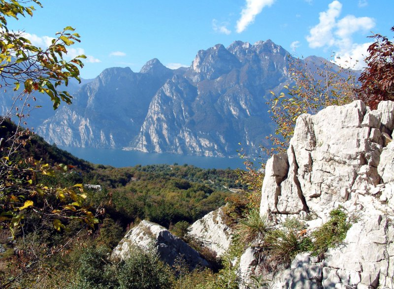 Lake Garda from the limestone foothills.