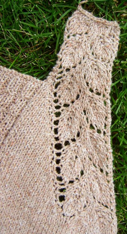 Silky Tweed Tank Detail