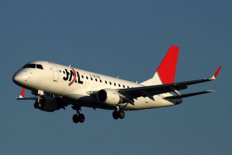 JAL J AIR EMBRAER 170 FUK RF IMG_0953.jpg