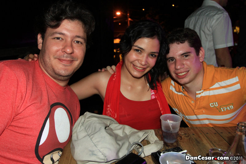 Henrys Iguana Beach Bar