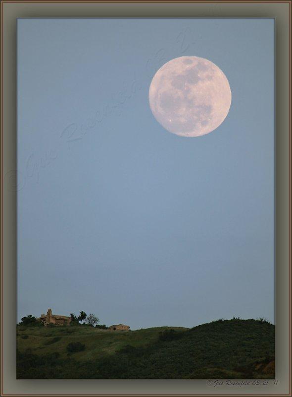 March 2011s Perigee Moonrise From Ventura End Of The Santa Monica Coastal Mtn. Range