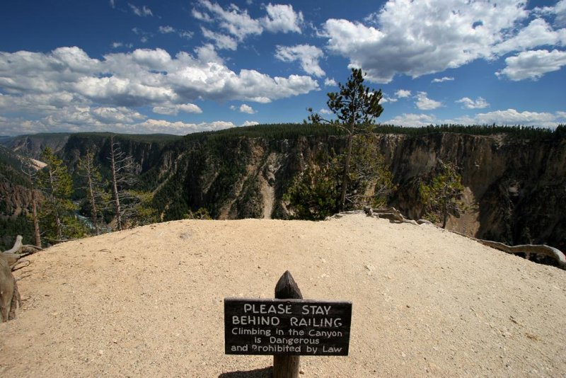 Sign, Yellowstone Canyon, Yellowstone National Park