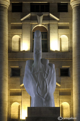 Milano - Il dito