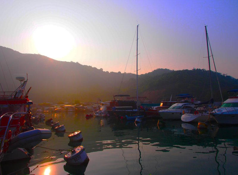 Sunday morning dawn in the Typhoon Shelter