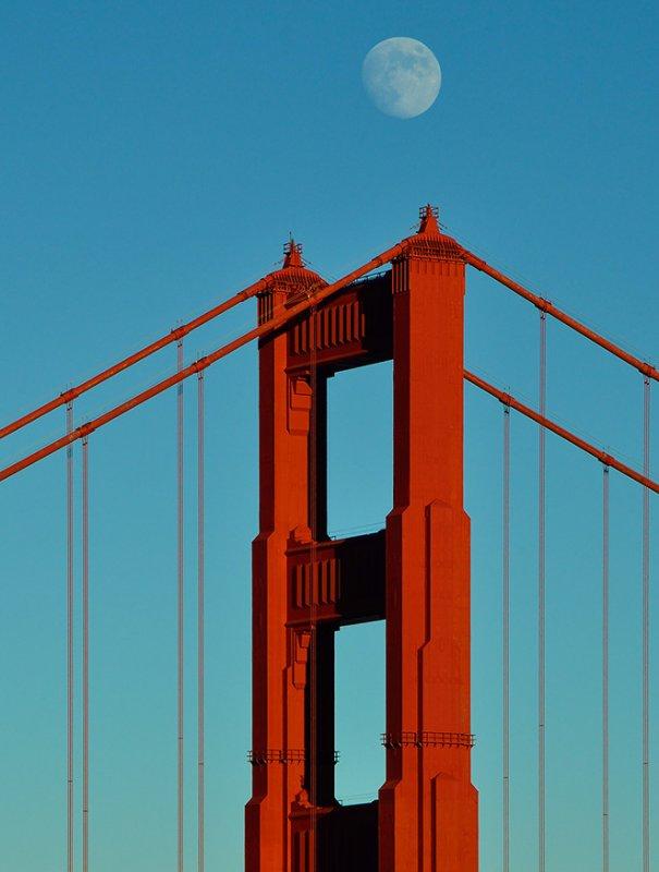 Moon over Golden Gate