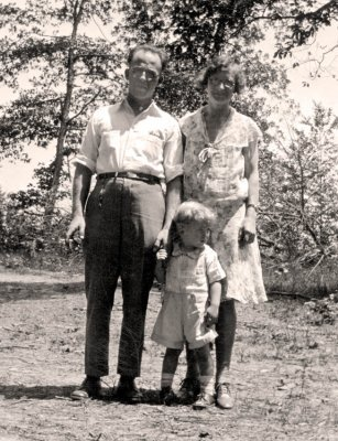 Clarence , Josie , and Earl Stumpf