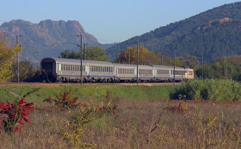 The BB22396 heading to Nice with an Express Regional Train, near Les Arcs-Draguignan.