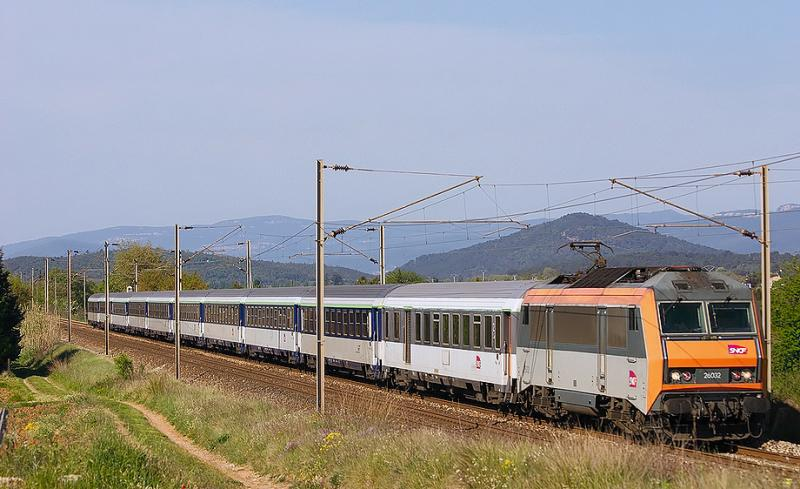 The BB26032 approaching Gonfaron, heading to Nice.
