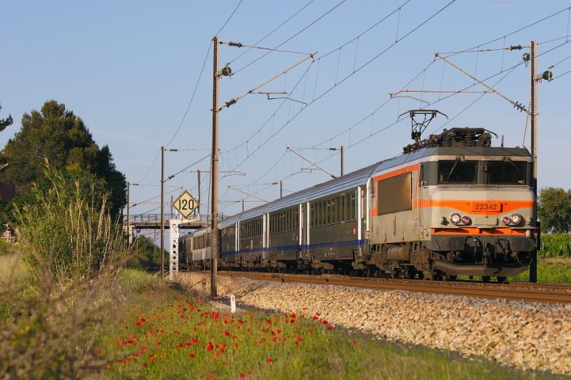 Near Gonfaron, the BB22342 heading to Marseille.