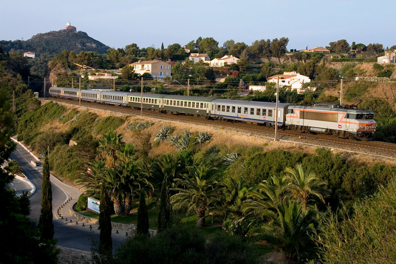 The BB22361 between Le Dramont and Agay.