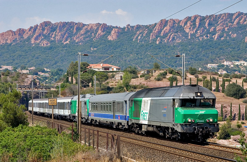 The CC72003 and the new BB75003 with a test train near Agay.
