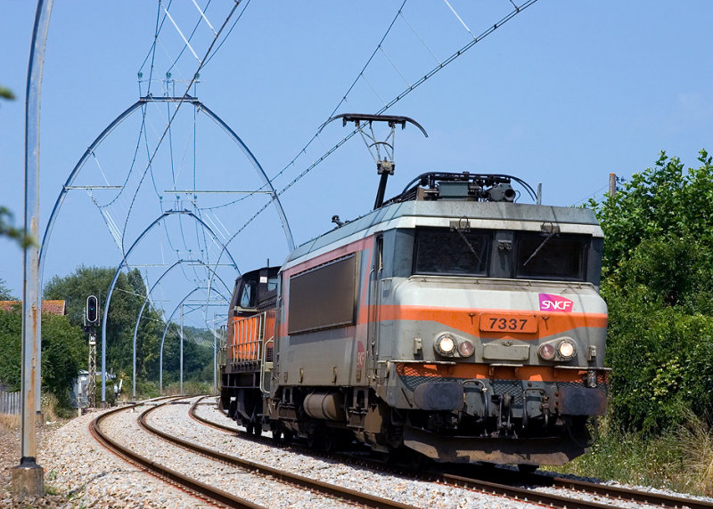 The BB7337 near Bordeaux, between Arcachon and Facture.