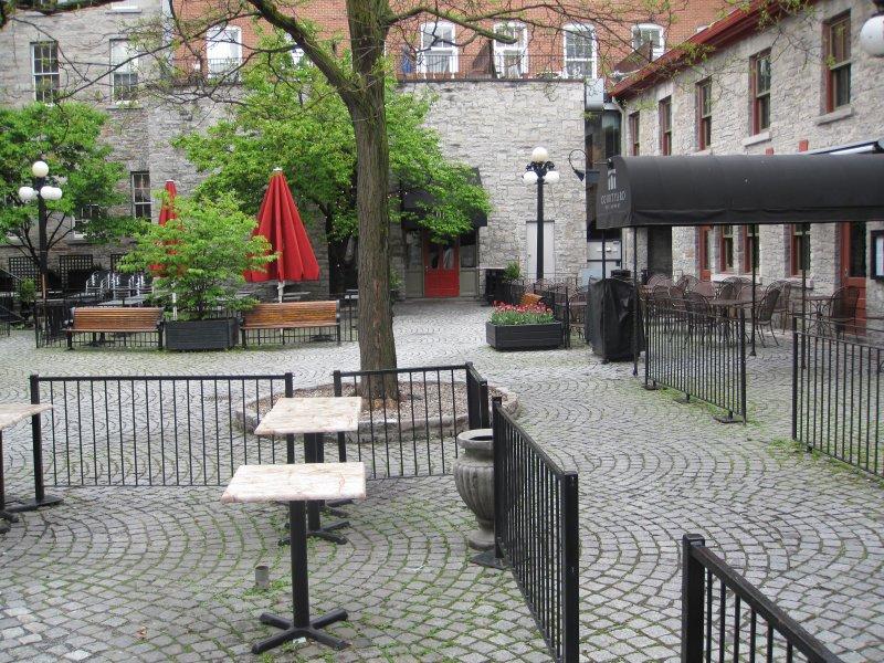 Terrasse Court Yard