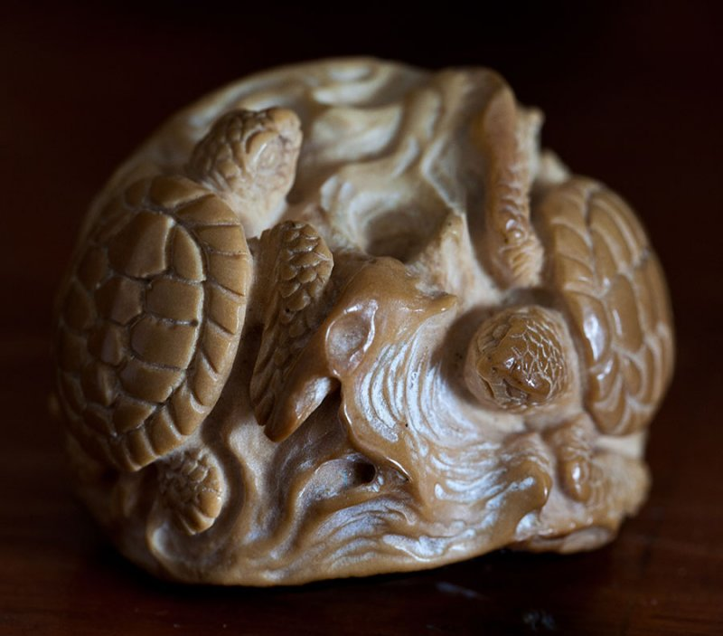 1. Carving of two hawksbill sea turtles. IMG_5588.jpg
