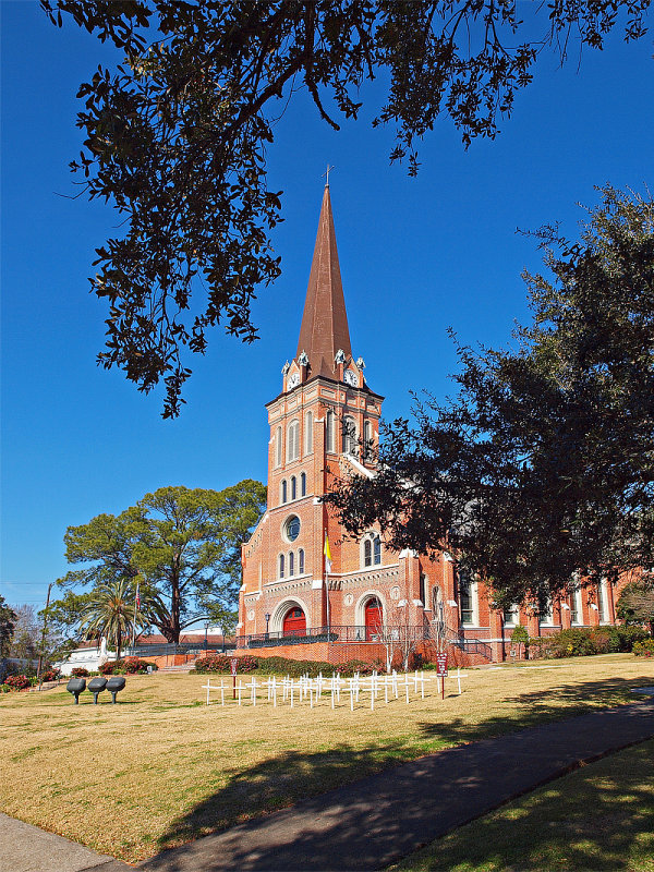Another view of St Marys church in Abbeville, LA.