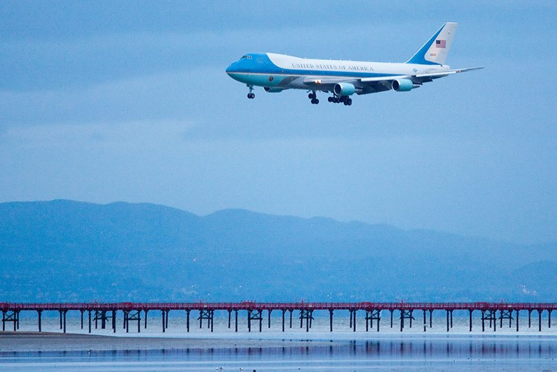 2/17/2011  Air Force One landing at SFO