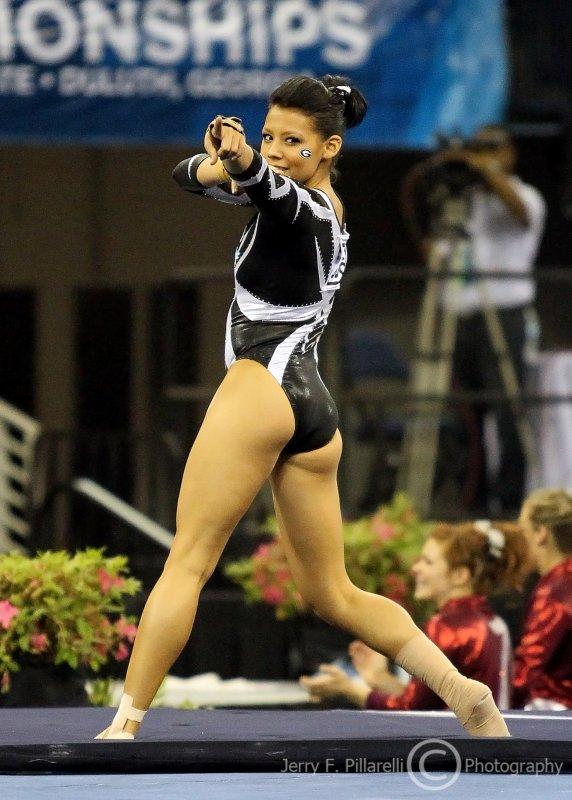 Georgia floor competitor Kat Ding