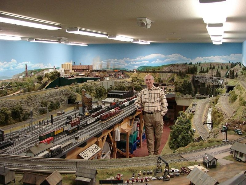 Ed Loizeaux S Scale layout.jpg