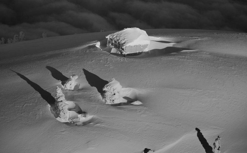 Desolation Lookout <br> (Desolation040811-001.jpg)*